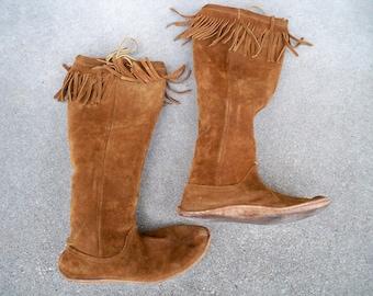 Vintage Brown Leather Moccasin Mukluk Renaissance Fringe Leather Hippie Women's Boots Size 7