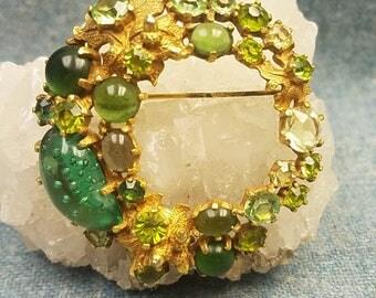 Castlecliff 1950's Green Peridot Art Glass Jellybean Wreath Brooch Pin