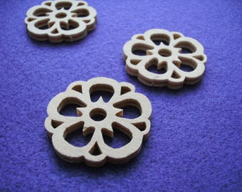 3 flowers, wood, 3,6 cm (01-0004B)