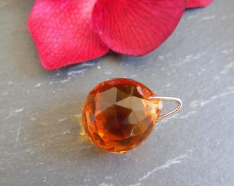 pretty Pearl Czech glass pendant has orange faceted