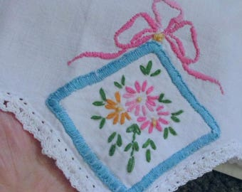 Vintage Cotton Hand Emb/Crochet Chic Pillowcases Pink Daisies/Bows Blue Frames