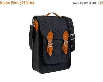 Christmasinjuly Felt Vertical Laptop bag 13 in, , felt satchel, macbook pro, macbook air 13 inch sleeve, case, bag
