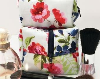 Mommy and Me Light Blue Floral Makeup Bags, Blue Makeup Bag Set, Gift for Her, Mother Daughter Gift, Monogram  Bag, Gift Under 30