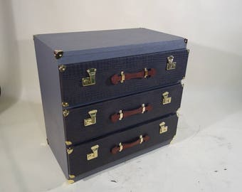 R2143 Chest trunk