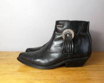 Vintage wrangler boots / black leather ankle boots / UK 4.5 - 5 / leather ankle cowboy boots / leather western boots / black vintage boots