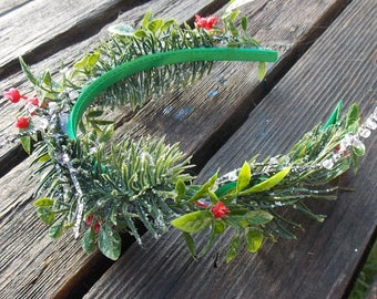Holiday Wreath Headband, Winter Holiday Crown of Fir and Holly, Fir Wreath Crown, Winter Wedding Crown, Frosty Christmas Crown, E17