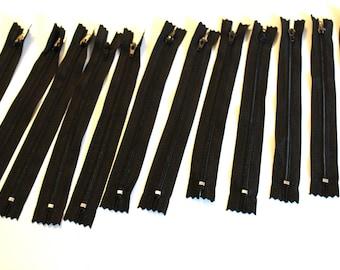 Set of 12 zippers 20cm black