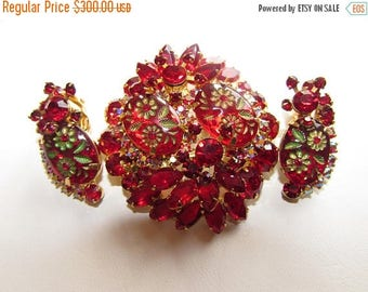 SALE 20% VINTAGE JULIANA Ruby Red Etched Flowers Multi-Dimensional Tiered Brooch,Earrings Beautiful! D5