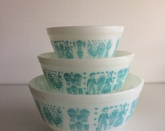 Set of 3 Vintage Pyrex Amish Butterprint Mixing Bowls #401 #402 #403