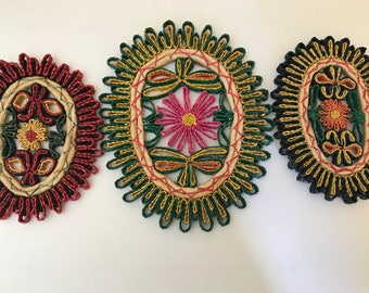 Vintage 1970's Set of two (3)  Straw Woven Trivets or Pot Holders- Muli-Colored Flower Design