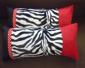 2 rectangle PILLOWS red and black
