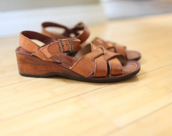 vintage woven tan leather wood wedge sandals womens 7