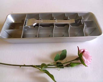 Aluminium ice tray silver color vintage ice cube maker with ice cube release leaver action 18 cubes