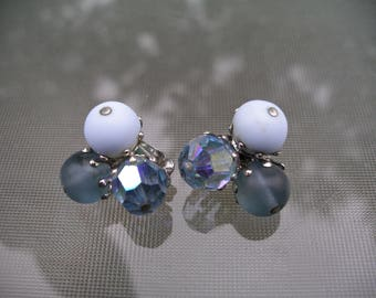 VOGUE Signed Vintage Art Glass Aurora borealis Beaded Clip Earrings