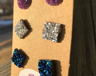 Druzy Stud earrings-druzy square charms-druzy charms-glitterly charms-circle earrings-small earrings-silver studs-purple stud earrings