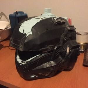 Titanfall 2 Pulse Pilot Helmet kit. Unpainted and trimmed