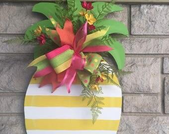 Pineapple door hanger, summer door hanger, welcome