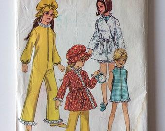 Vintage sewing pattern, Simplicity 8528, Child's sleep-suit, front wrap robe, girl size 8, sleepwear, bathrobe pattern, vintage hat.