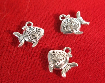 """10pc double sided """"fish"""" charms in antique silver style (BC20)"""