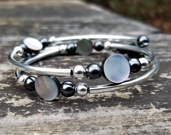 Mother of Pearl (Round) Fight Night Memory Wire Bangle