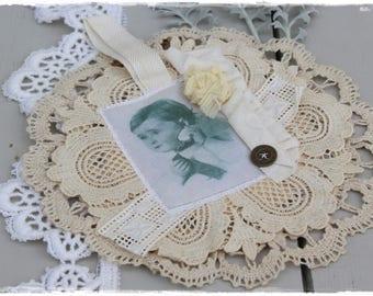 Hand made lace Dekodeckchen shabby chic, vintage trailer by lavendelherzl white cream