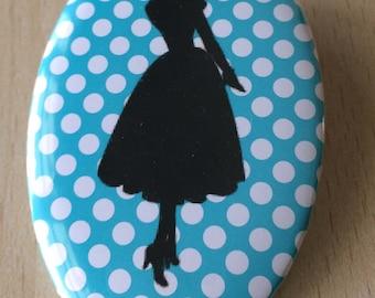 badge / brooch vintage silhouette fashion 12