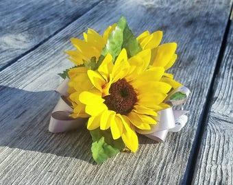 Sunflower Corsage, Rustic Corsage,  Sunflower Wedding, Yellow Corsage, Golden Corsage, Yellow Sunflower Corsage,  Corsage, spring corsage