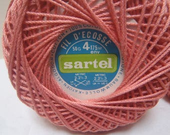 2 SPOOLS OF THREAD OF SCOTLAND A KNIT OR CROCHET