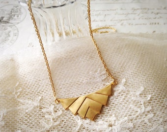 Style art deco raw brass geometric triangle necklace