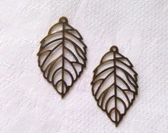 35x20mm 2pcs antique gold finish filigree leaf shape pendant