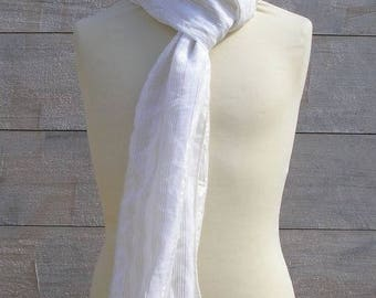 Foulard blanc, doré