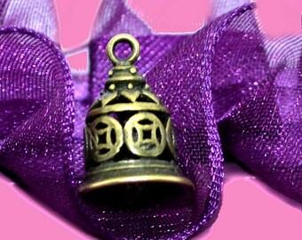 3 charms 15x11mm bronze 3D Bell