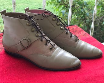 Connie Granny Ankle Boots/1970s 80s/Booties/Lace Up/Gray/Flat Heels/Women's Size 6ish/Leather/Made in Brazil/Hipster/