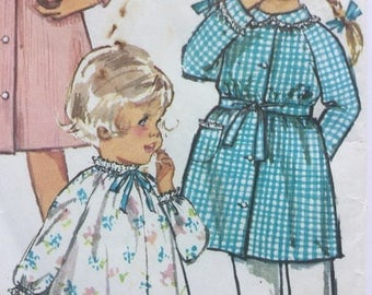 Toddlers' Nightgown and Robe, Vintage Sewing Pattern 1960s, Size 1, Chest 20""