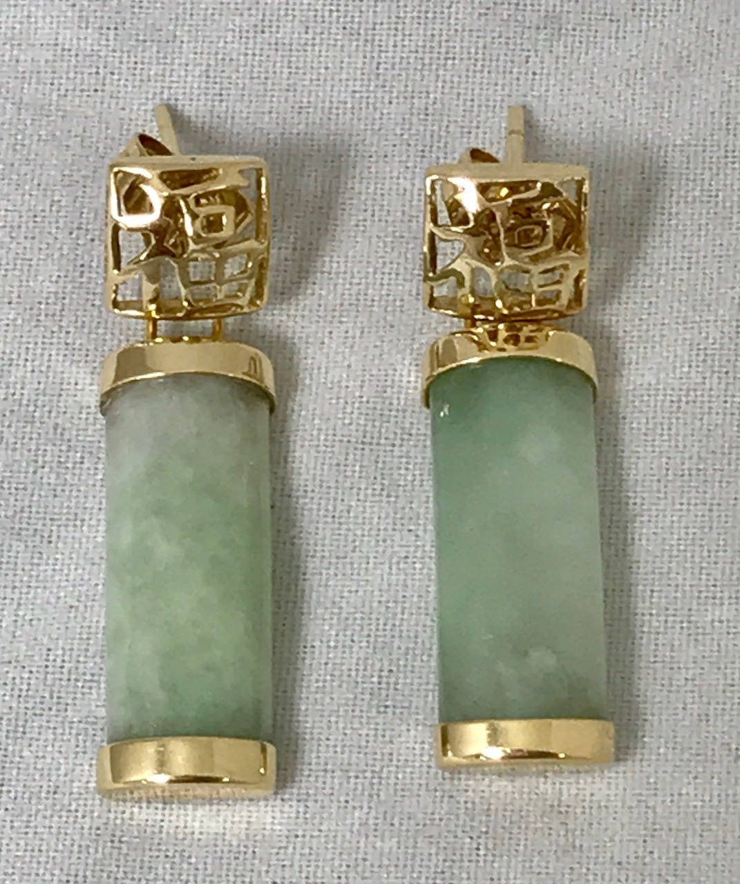 14k yellow gold light green jade chinese symbol stud earrings buycottarizona