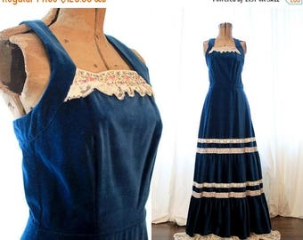 20% OFF SALE Vintage 70s indigo blue navy velvet prairie halter maxi long sleeveless dress with layers of lace hippie boho tiered gunne sax
