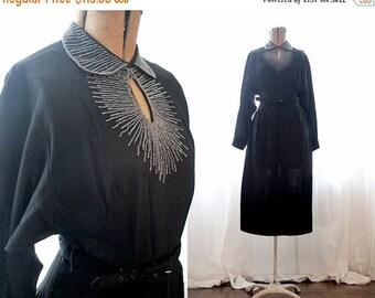 BIG SALE Vintage 1930s 1940s little black dress heavy sunburst seed bead chest detail long sleeve fitted waist Hollywood glam dress beaded 4