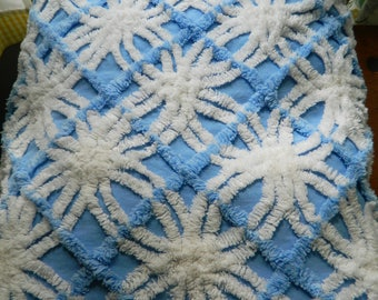 Queen blue and white chenille bedspread / could work on a full bed or double bed