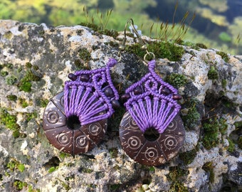Ethnic macrame earrings with carved coconut - mauve