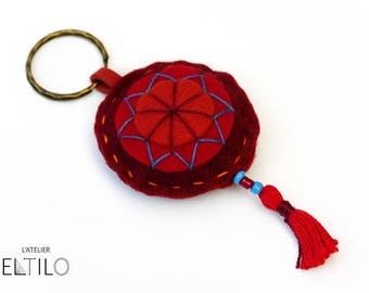 Red felt Keychain / / key-Bohemian style / / hand embroidered key fob