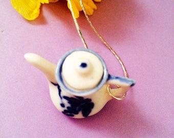 Drink me! Necklace Alice in Wonderland