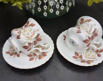 Vintage//Richmond bone China Tea tea cups and saucers//2//Golden edge//beautiful roses motif//second hand dealer//porcelain//England