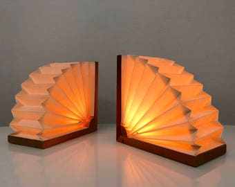 Pair Noah Slutsky Paper Fan Table Lamps / Bookends 1970's