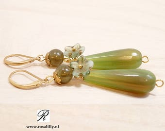 Moss green drop earrings for faerie. Enchanted forest jewelry. Moss fairy green drop earrings.  Green woodland fairy earrings Gift for her.