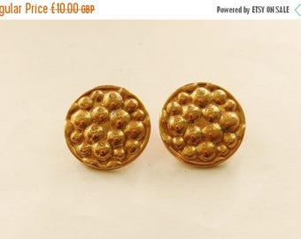 Spotty Round Gold Plated Clip On Earrings // 80's Vintage Fashion Costume Jewellery // Ladies Clip Ons // Unusual Vintage Earrings