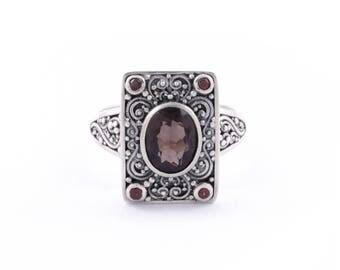 Balinese Tridatu Silver Ring / Sterling Silver / Red Garnet / Smoky Quartz