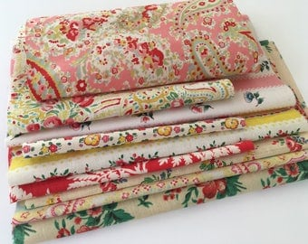 Vintage Eiderdown floral fabric pieces for projects crafts sewing patchwork