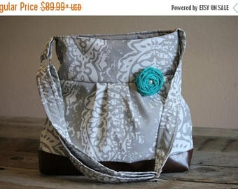 CHRISTMAS SALE Concealed Carry Purse, Medium Messenger Bag, Grey Damask, Conceal Carry Handbag, Concealed Carry Purse, Conceal and Carry, Gr