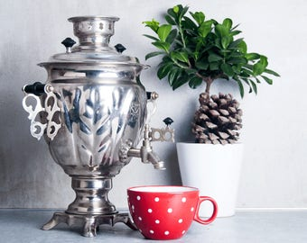 Soviet SAMOVAR. USSR made beautiful vintage Water Heater in good working condition. Electric Metal Tea Pot.