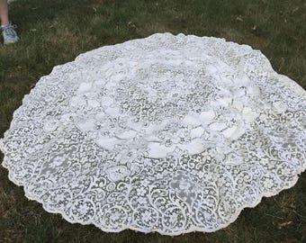 "Vintage Lace Crochet Tablecloth - 56"" Round"